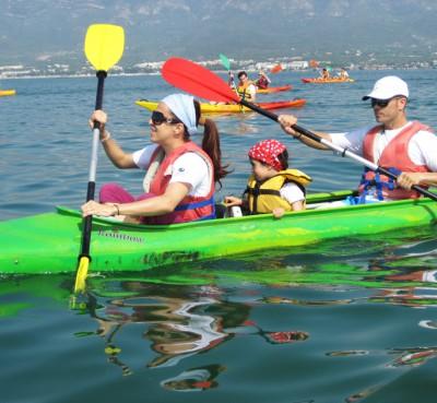 Kayak or canae in familiy en el Delta del Ebro